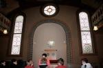 Welche Symbolik zeigen die beiden Fenster?