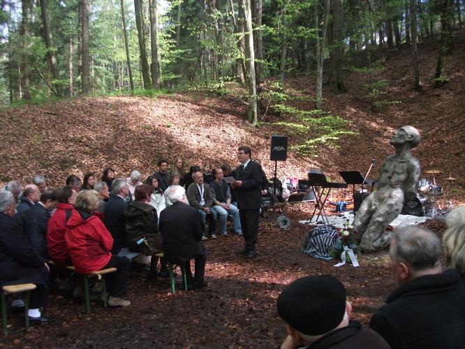 Gedenkveranstaltung KZ-Lager Eckerwald - 09. Mai 2010 (4/6)