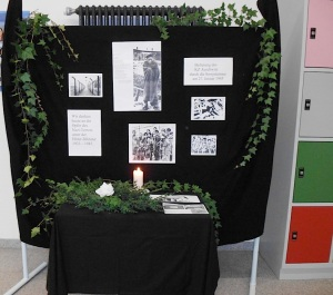 27.01.2013 Gedenken Eingangshalle Realschule Bisingen