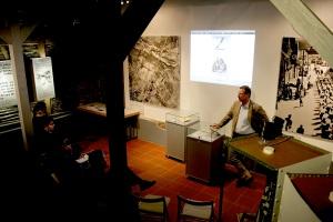 08.03.2013 Vortrag Frank Reuter NS_Verbrechen an Sinti&Roma-1