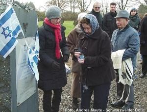 Verein Gedenkstätten KZ Bisingen 10jähriges Gedenkstunde KZ-Friedhof Bisingen  1.12.2013 -1