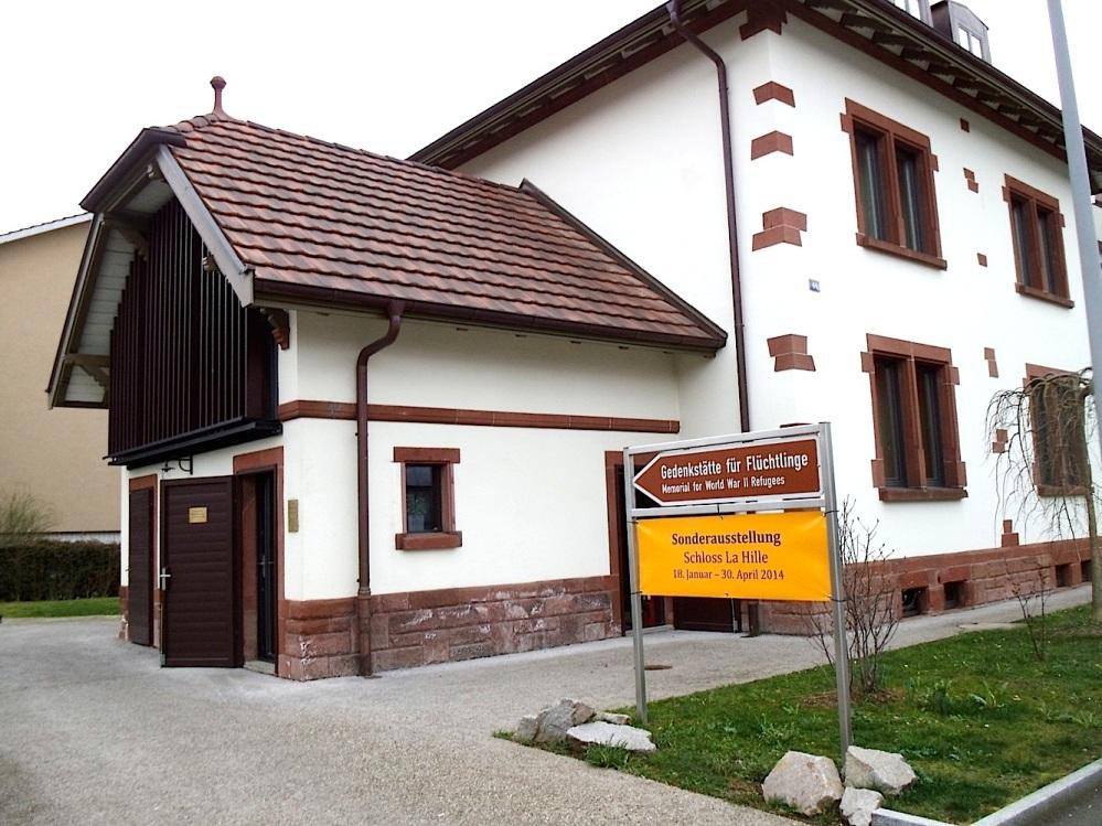 """Besuch der """"Gedenkstätte für Flüchtlinge"""" in Riehen, Schweiz  (1/6)"""