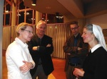 Dr. Franziska Blum, Heinz Högerle, Dr. Deigendesch und Sr. Silvia Pauli im Gespräch