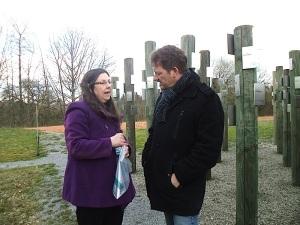 Dr. Idit Gil im Gespräch mit Folker Förtsch, Historiker und Leiter des Stadtarchivs Crailsheim