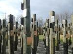 200 Namensschilder wurden ab Oktober 2014 an den Stelen angebracht