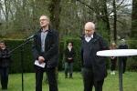 Gedenkstelen in Erzingen 3. Mai 2015 Stadtarchivar Balingen (li) & Michael Walther, AK-Wüste%22  (re)